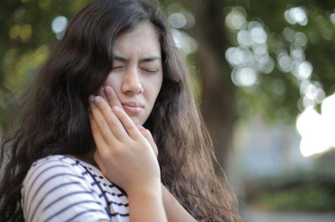 Dolor de muela hr-dental La caries duele-porque la caries duele